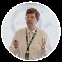 Imagen del SEO de Einnova en una conferencia