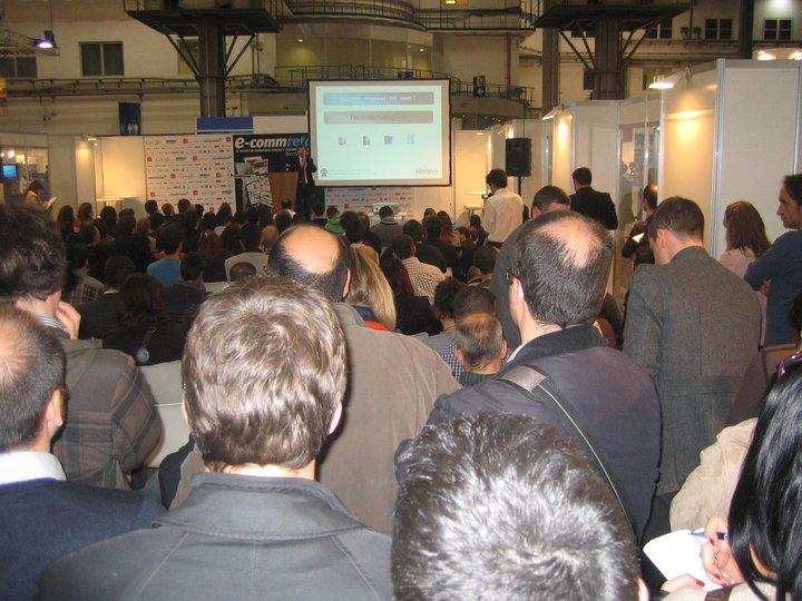 Conferencia Antoni Biada explicando en Neuromarketing en Ecommretail Barcelona